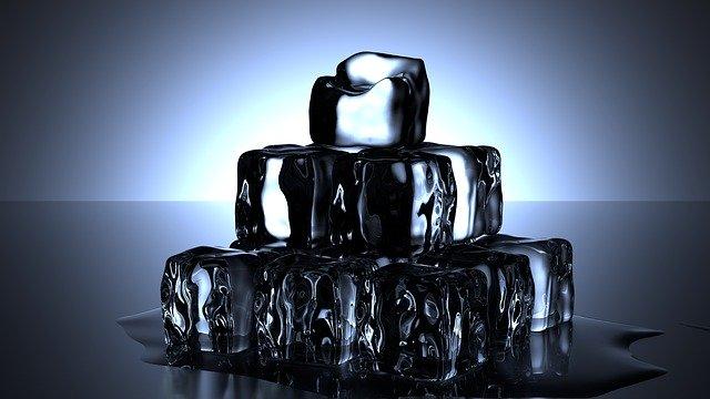 Eiswürfel gestapelt